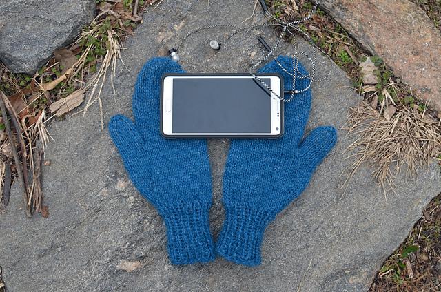 smart-phone-mittens-1