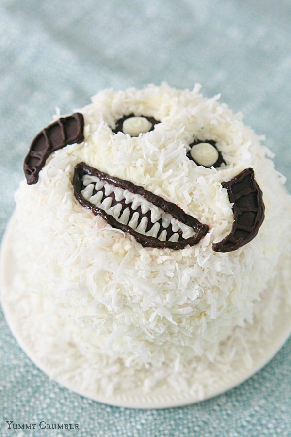 Star-Wars-Wampa-Cake-1