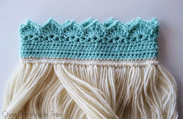 overtheappletree_crocheted_elsa_crown_with_braid_02